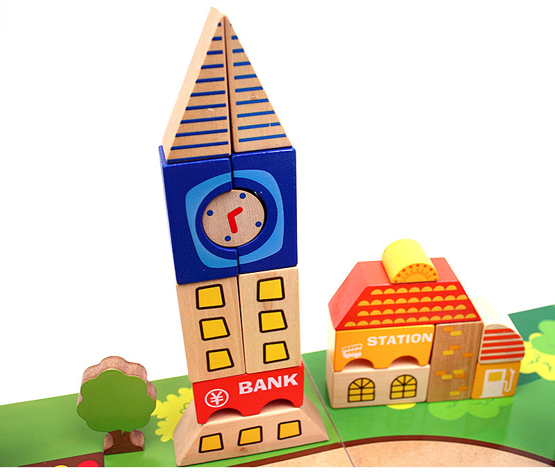 소방서, 경찰서, 학교, 은행, 커피숍, 병원, 우체국 등 다양한 테마로 꾸며가는 즐기는 디럭스 시티 블럭으로 우리 아이 상상력을 키워주세요.