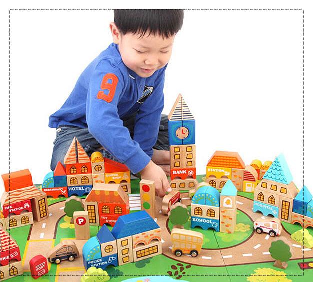 우리아기가 다양한 테마별로 즐거운 도시건물 놀이을 할 수 있는 고급블럭 디럭스 시티블럭과활용교재 1권입니다.